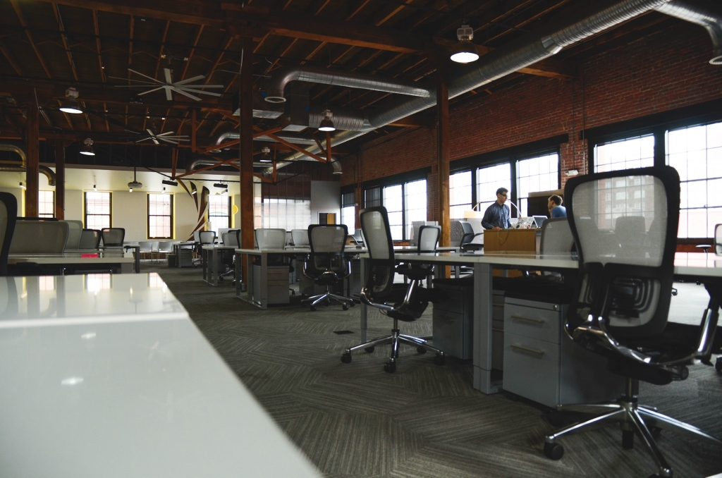 interior-building-office-furniture-room-work-space-764434-pxhere.com